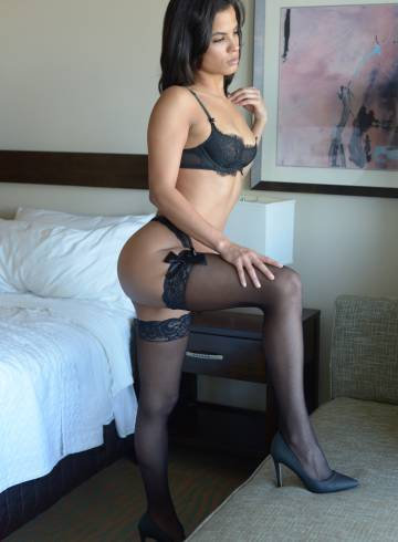 Miami Escort NinaRose Adult Entertainer in United States, Female Adult Service Provider, Escort and Companion.