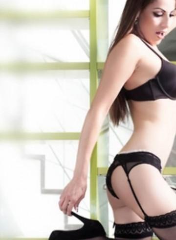 Malaga Escort NoemiSirena Adult Entertainer in Spain, Female Adult Service Provider, Spanish Escort and Companion.