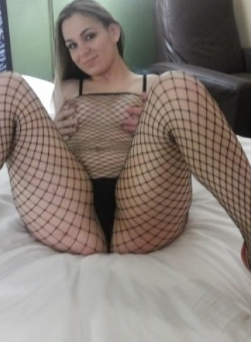 Tampa Escort prettyladydana Adult Entertainer in United States, Female Adult Service Provider, Escort and Companion.