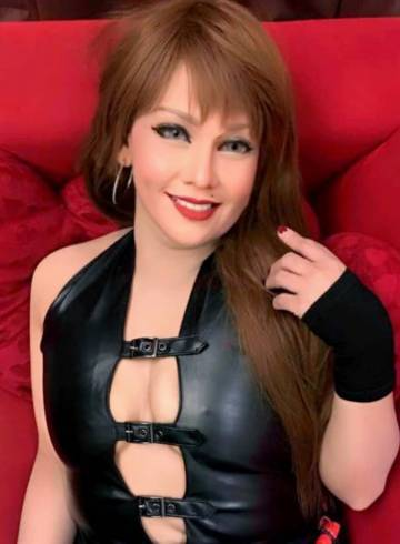 Kuala Lumpur Escort Queen  Alexa Adult Entertainer in Malaysia, Female Adult Service Provider, Filipino Escort and Companion.