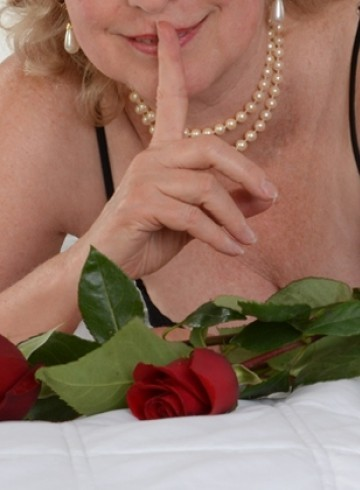 Seattle Escort RoseForSeattle Adult Entertainer in United States, Female Adult Service Provider, American Escort and Companion.