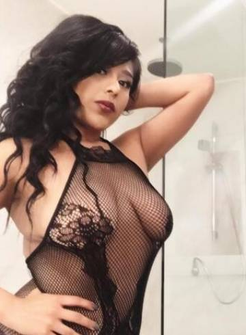 Phoenix Escort Roxanna Adult Entertainer in United States, Female Adult Service Provider, Escort and Companion.