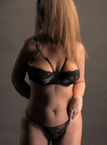 Dallas Escort SheaVeile Adult Entertainer in United States, Female Adult Service Provider, Escort and Companion.