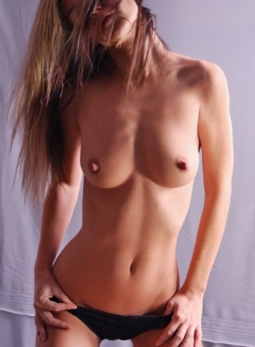 Tampa Escort StephanieAS Adult Entertainer in United States, Female Adult Service Provider, Escort and Companion.