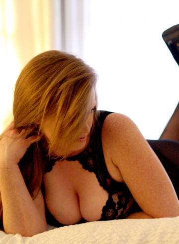 Seattle Escort SweetMelissaX Adult Entertainer in United States, Female Adult Service Provider, American Escort and Companion.