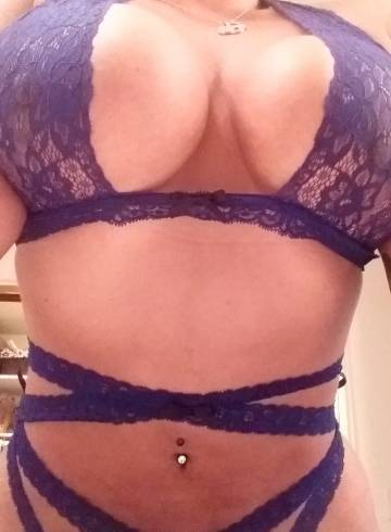 Los Angeles Escort VanessaDD Adult Entertainer in United States, Female Adult Service Provider, Mexican Escort and Companion.